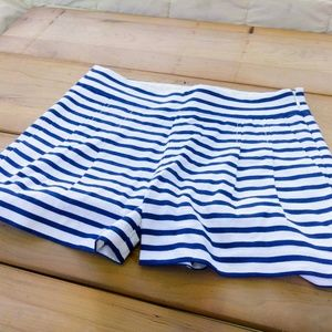 ADORABLE J. CREW STRIPED PLEATED SAILOR SHORTS 00